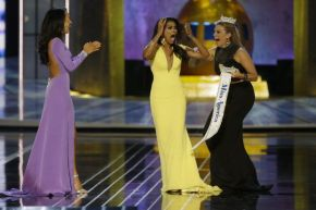 Nina Davuluri is named Miss America 2014!
